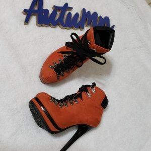 ⬇Xhilaration orange & black suede platform booties